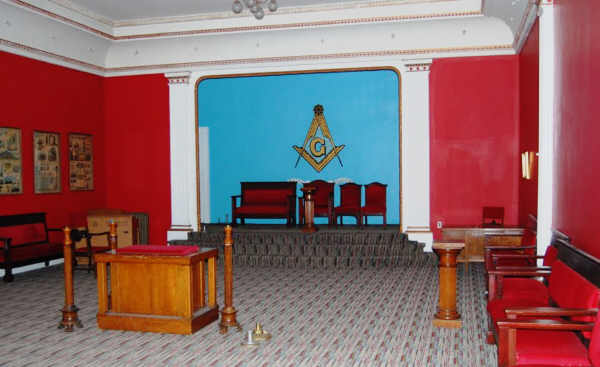 masonic_temple_red_2010