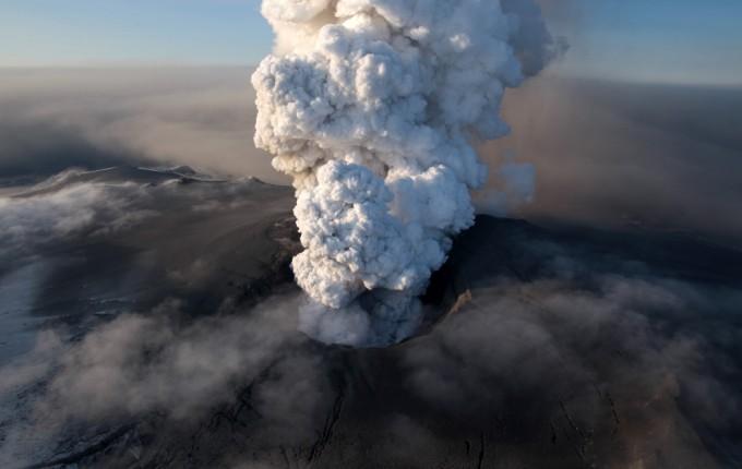 Vulkan-na-Islandu-e1274094970369