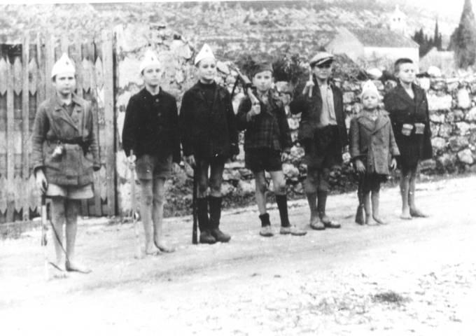 Pioniri_na_Braču_1943